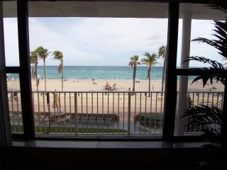 Stunning Ocean Views From This Cozy Oceanfront 1/1 - Hollywood vacation rentals
