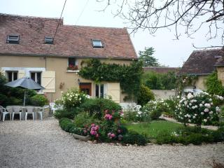 Burgundy Idyl Cottage - Montigny-la-Resle vacation rentals