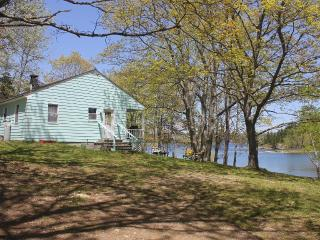 *Bridges Cottage - Oceanfront*wi-fi*private*cable* - Little Deer Isle vacation rentals