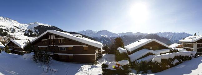 Panorama from the balcony view - Large 5 bedrooms apt in Hameau, Verbier - Verbier - rentals