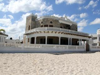 Casa del Malecon, beachfront Casona in the heart of Progreso! with pool - Chicxulub vacation rentals