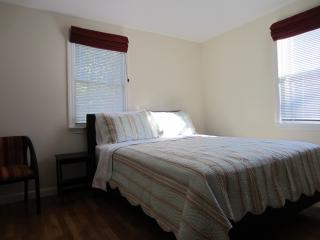 Prime Locale Harvard Square, Cambridge - Cambridge vacation rentals
