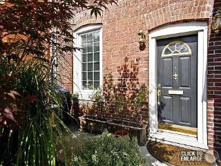 Beautiful Renovated 2 bdr House near Little Italy - Toronto vacation rentals