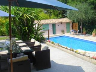Villa Marguerite - villa & private pool nr Cannes - Lacoste vacation rentals