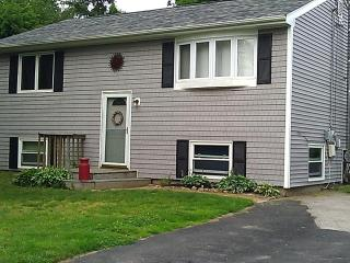 Narragansett House - Walk to neighborhood beach - Narragansett vacation rentals