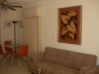 South Beach Studio Great Location - Miami Beach vacation rentals