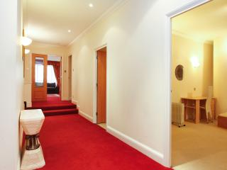 3 Bedroom Apartment - Westminster (London Eye) - London vacation rentals