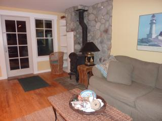 Beachfront Cottage on Beautiful Whidbey Island, Wa - Clinton vacation rentals
