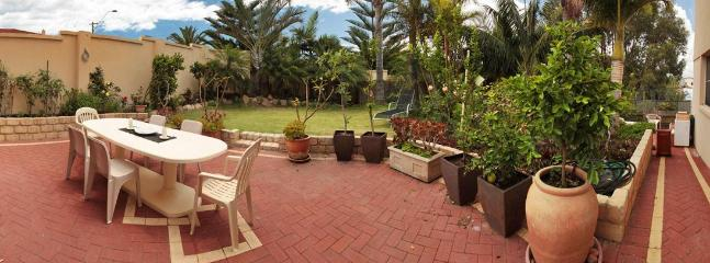 2 Bedroom self contained cottage,ocean views,beach - Sorrento vacation rentals