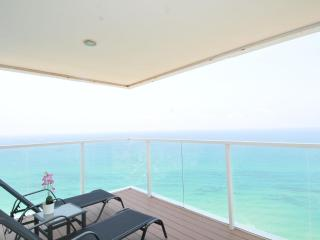 Netanya Luxury Tower on the beach - Netanya vacation rentals