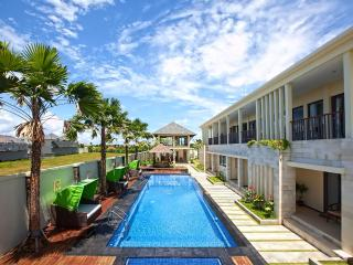 R & R Bali Bed and Breakfast Suites - Bali vacation rentals