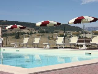 Villa with pool, 11 sleeps, ideal for families - Pergola vacation rentals