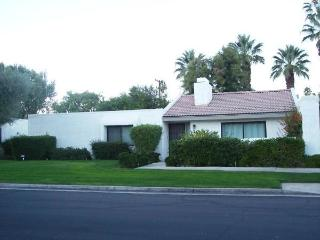 Two Bedroom Condo in Palm Springs! - Palm Springs vacation rentals