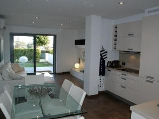 Stunning hi-tech ,apartment  with swimming pool, Wifi - Puerto Pollensa vacation rentals