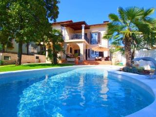HOLIDAY VILLA IN ISTRIA - UMAG 5 star - Croatia vacation rentals