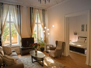 Majestic- Near Kudamm/KaDeWe - Berlin vacation rentals