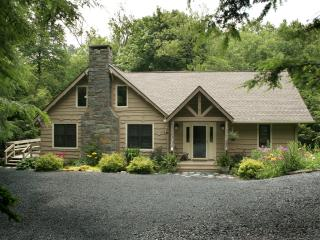CREEKSIDE-Charming home, quiet, in-town location. - Blowing Rock vacation rentals
