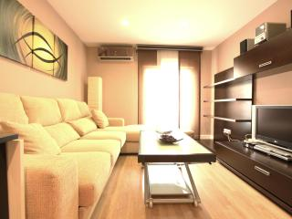 Calle Mayor, Central 1br Sleeps 4 - Madrid vacation rentals