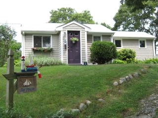 Cozy 2 bedroom cottage near the beach in Plymouth - Plymouth vacation rentals