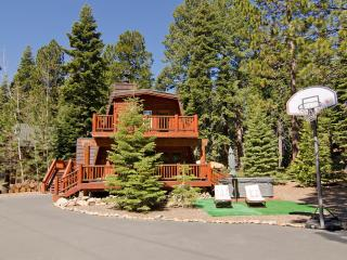 Across from Lake Remodel, Peak Views, Hot tub, Tiki Lounge - Carnelian Bay vacation rentals