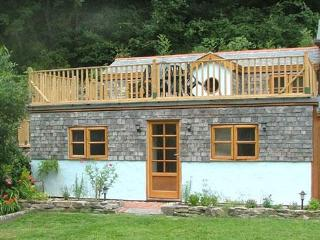 Cornwall cottage woodland stream close to beach - Cornwall vacation rentals