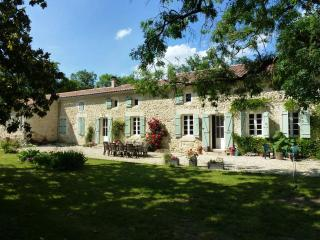 5 bedroom French farmhouse with heated pool - Gers vacation rentals