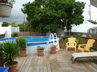 Charming Villa Close to the Downtown and Beach - Hollywood vacation rentals