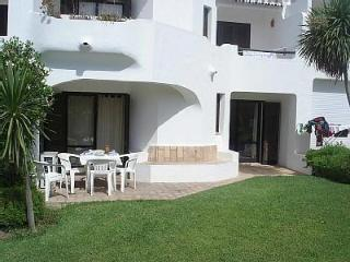 Club Albufeira 2 Bedroom Villa W Laundry/ FREE A/C - Albufeira vacation rentals