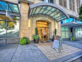 Alfred's 2BD/2BTH, Luxury Complex, Great Views - Seattle vacation rentals