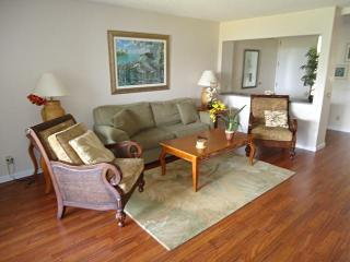 Cliff's Resort 1BR Unit #2205, On Ocean, Pool, etc - Princeville vacation rentals