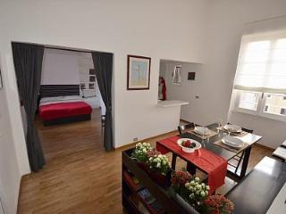 Bright, Romantic, Smart!  Very Close To Vatican. - Rome vacation rentals