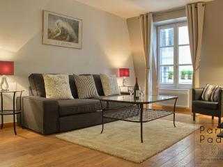 Chic Beaubourg NEW WINTER PRICING - Paris vacation rentals