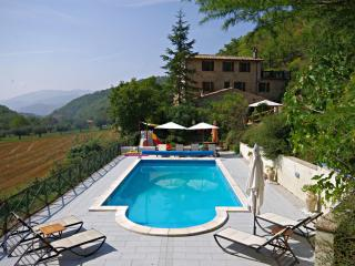 Beautiful Farmhouse Apartment Nr Perugia with Pool - Perugia vacation rentals