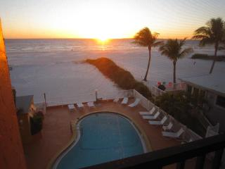Beachfront Penthouse! Gorgeous View! - Fort Myers Beach vacation rentals