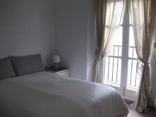 New 2 bedroom apt in Cadiz historic center (Wifi) - Cadiz vacation rentals