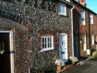 Pebble Cottage Pakefield - Sleeps 4 in 2 bedrooms - Lowestoft vacation rentals