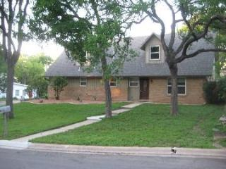 Spacious Modern House 2 miles from ACC and SXSW - Austin vacation rentals