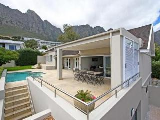 Family villa in Camps Bay with childfriendly pool - Camps Bay vacation rentals