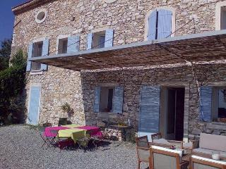Apartment Couteron with pool Aix - Bouches-du-Rhone vacation rentals