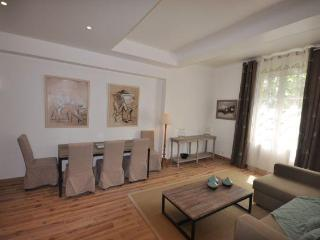 Apartment Vauvenargues 1BR, Lift, Dowtown Aix - Aix-en-Provence vacation rentals
