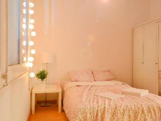 Lovely, Sunny apartment, La Rambla - Barcelona vacation rentals