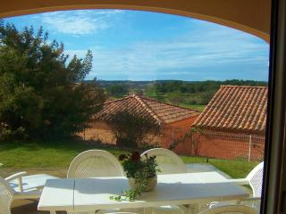 Stylish apartment,garden,pool,views,near sea&golf. - Murviel-les-Beziers vacation rentals