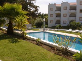 Superb Apartment with pool 200 meters from beach - Albufeira vacation rentals