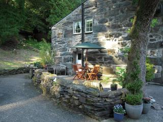 Red Dragon Holidays - Sygun Cottage - Gwynedd- Snowdonia vacation rentals