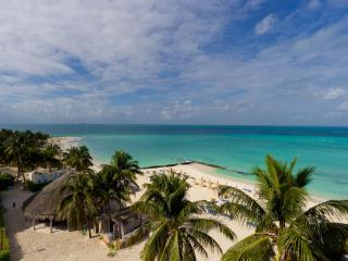 The ONLY 2 Bedroom Beachfront Penthouse in Ixchel - Isla Mujeres vacation rentals