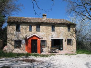 Charming farmhouse with private pool (sleeps 8) - Cupramontana vacation rentals