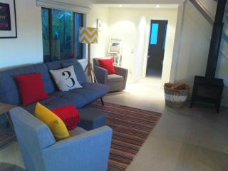 Mozo Cottage with outdoor pizza oven - Warkworth vacation rentals