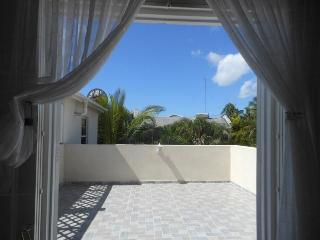 Two bed house, pool two minutes to beach, Holetown - Speightstown vacation rentals