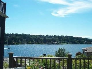 Waterfront View Cottage-5 Star Rating-Serene - Bellevue vacation rentals