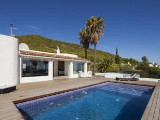 Modern 8 person villa in Ibiza Town, great value! - Ibiza Town vacation rentals
